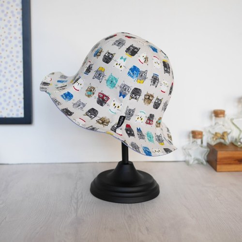 Kitten Face six-sided hat - light gray