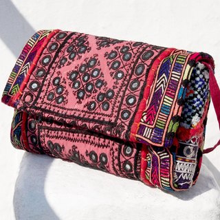Valentine's Day gift handmade embroidery ancient cloth oblique bag / ethnic bag / side bag / shoulder bag / handbag / embroidery bag - desert mirror old cloth embroidery totem
