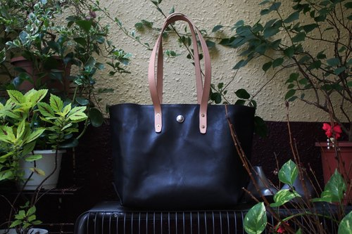Italian vegetable-tanned leather TOTE BAG Shoulder / dorsal big black bag
