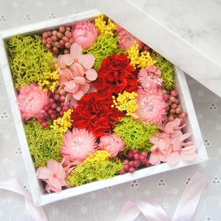 Hand-made dry flowers / not withered series ~ sweet love is not withered gift box / Mother's Day gift / Valentine's Day gift / wedding arrangement / wedding props / birthday gift / wedding gift / store layout ~