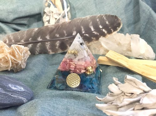 Orgonite Energy Tower - Moonstone, Rhodochrosite, Apatite