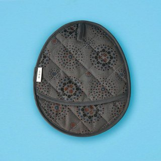 Egg-Shaped Quilted Potholder / Firework / Dark Night Grey