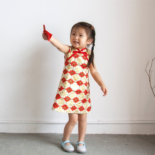 Red exquisite sleeveless cheongsam _ gold red _ children section