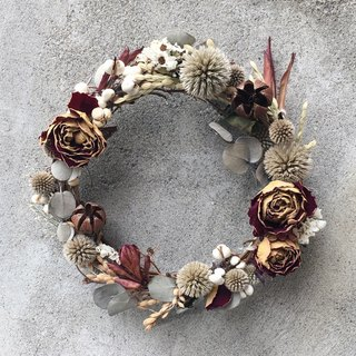 Dry rose wreath