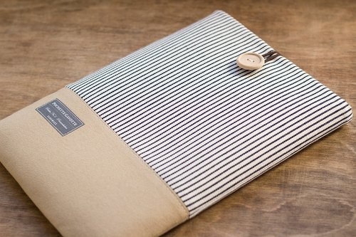 Laptop Case Macbook Cover PC Case / Stripe & Camel