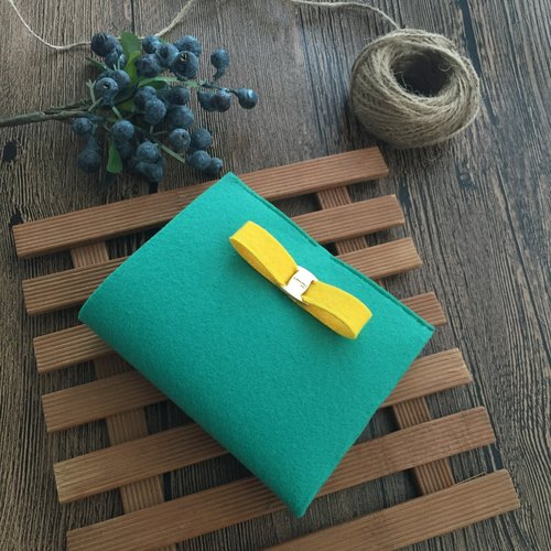 Hand for hand carry bag Blue Lake green light yellow bow cute simple casual wool felt cloth small purse card package admission package handbag card package card package
