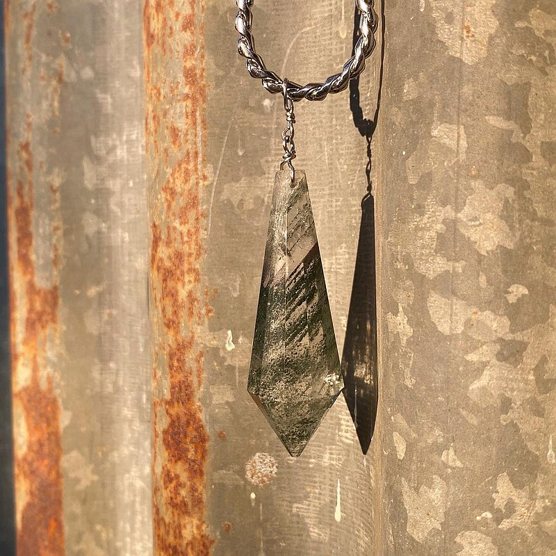 【Lost And Find】Natural  Clear Green Phantom Quartz  necklace