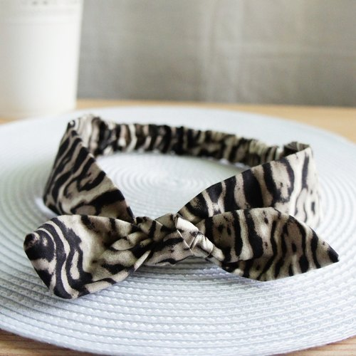 Lovely * Black Striped Mug Elastic Band. Hair circle * black and white
