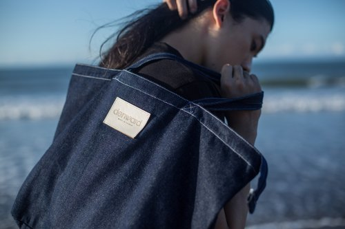 A high capacity, zippered jean bag/denim bag