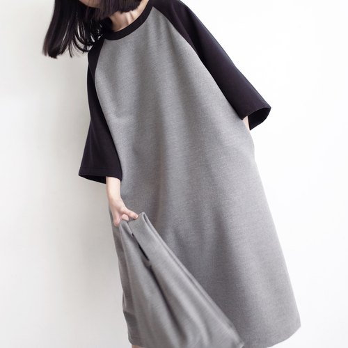Sleeved wool dress stitching color