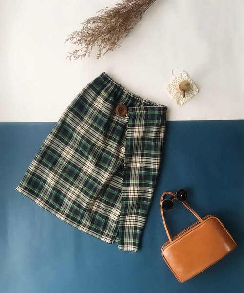 4.5studio- hand made - green plaid skirt muffled piece wood buckle