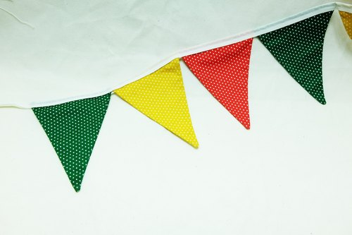 Flag Pennant Banner : vivid polka dot (red/green/yellow)