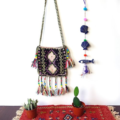 BajuTua / old material / knitting colorful fringed bag