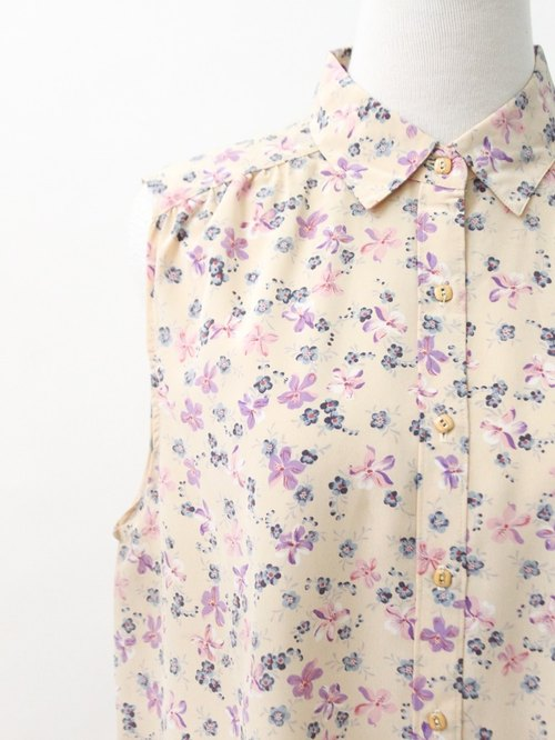 【RE0720T076】 retro fresh flowers floral nude color sleeveless ancient shirt