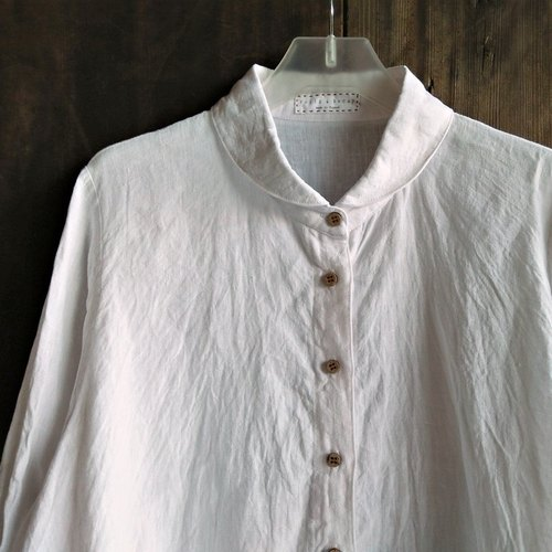 Round neckline long shirt washed linen white