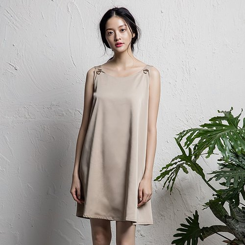 VACAE satin wide collar exposed dress