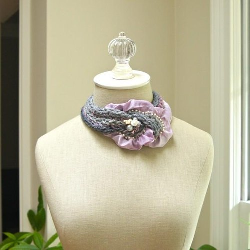 Knit knot necklace antique pink