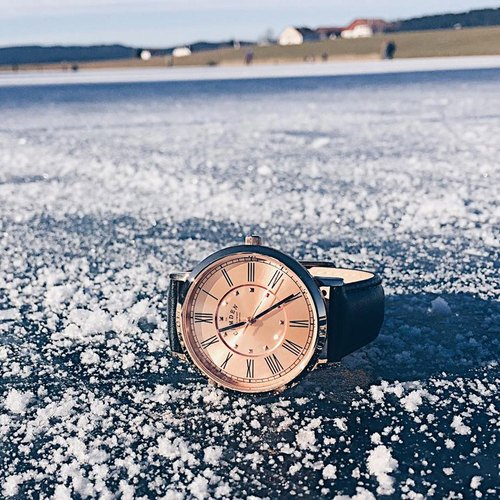 Camden Watch | NO27 series of pure British descent rose gold British Roman digital leather watch