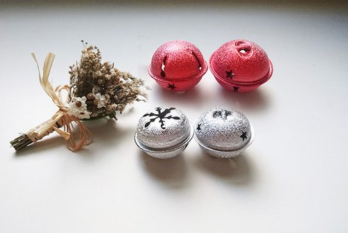 Accessories / matte 40mm red, silver bells 1 -18MM / 15MM silver bells / a group of 10
