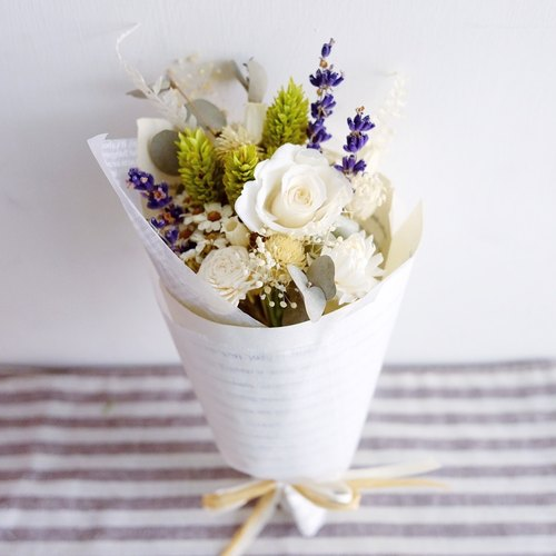 Or longing for heaven - no withered dry bouquet Preserved & dried flower little bouquet