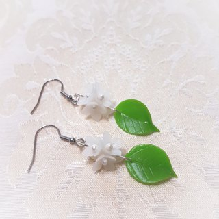 Meet series ~ white flower earrings / ear hook / ear clip
