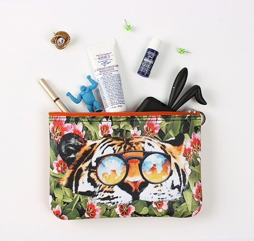 STILL AND CHEW fashion animal Cosmetic - TIGER OVER FLOWER