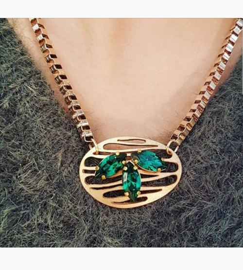 ☆ exclusive [copper. Hand. Three leaves modeling Shihua Loma Eye Necklace] 2 color