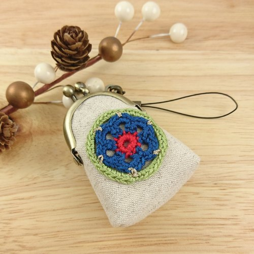 [LCG+ / Super mini lace gold pendant] retro flowers. Blue