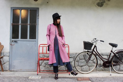 F3002 [Vintage jacket] {} Italian system in standard pink unique design buckle Long wool coat (Made in Italy)