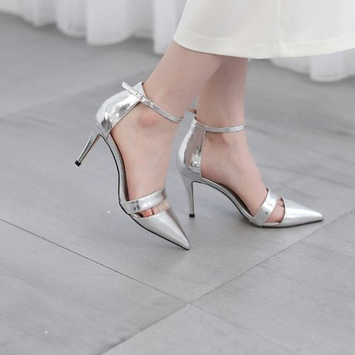 Fine wire around the ankle basket empty leather fine high heels silver