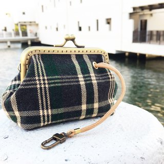 Hand hold  key ring coin purse - knitting  Green plaid