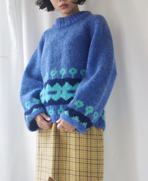 4.5studio- Nordic vintage family hand crocheted sweater light blue flowers