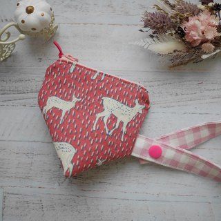 Pink deer three-dimensional triangle pacifier bag.