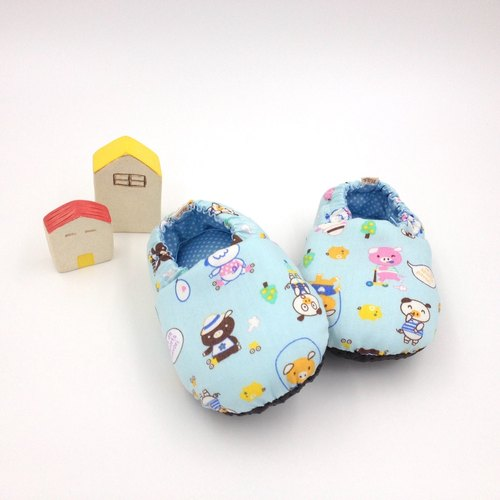 HBS handmade doll shoes - vitality pig (Blue Background)