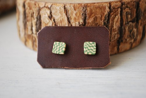 Tiny earrings square green × kinari