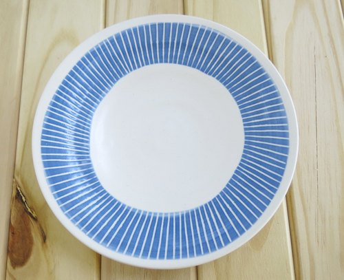 A line - handmade pottery plate (blue and gray)