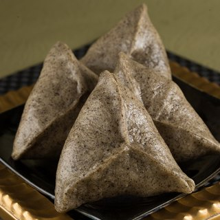Mianmian】 【Mochi sesame silver triangular handmade bread -4 into the equipment