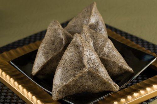[Full face incense] linen sesame silver triangle artificial bread