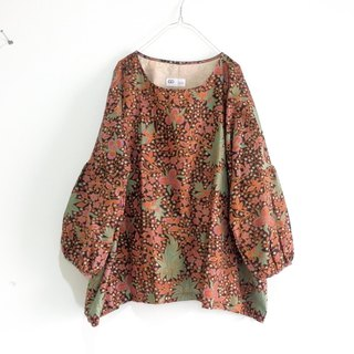 Fluffy tunic blouse of bird and forest handle