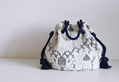 New work! Satin rope mosque marine bag white