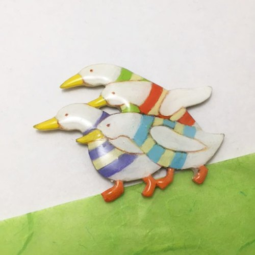 Friendly ducks brooch