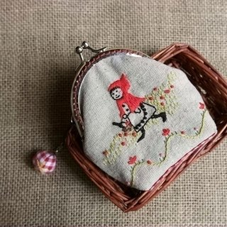 [Little Red Riding Hood] handmade embroidery mouth gold purse Christmas gift