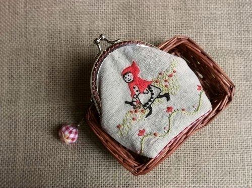 [Little Red Riding Hood's journey] hand-embroidered purse mouth gold package