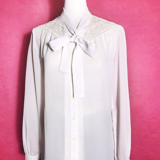 Lace bow tie chiffon long-sleeved vintage shirt / brought back to VINTAGE abroad