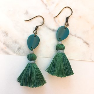 Dark green x green female female tassel ear hook / ear clip