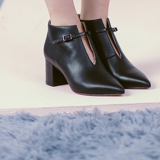 Fine buckle pointed short tube leather thick heel boots black