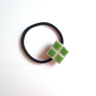 Tile hair rubber (green · four leaves clover)