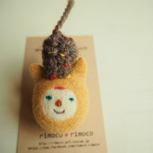 Wool felt Brother in a cat wearing a hat brooch wool felt brooch