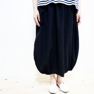 [MIT] Qi Wu eight 〇x cotton bud off big swing skirt nine points (black)