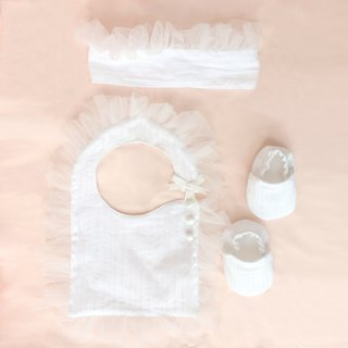 Handmade romantic Princess style baby newborn / Miyue gift box (bib + headband + shoes)